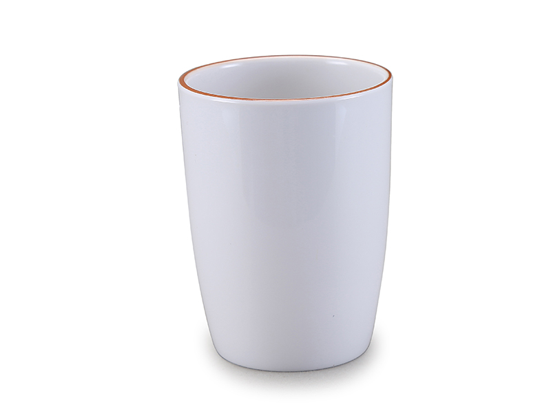 Melamine tumbler with golden rim