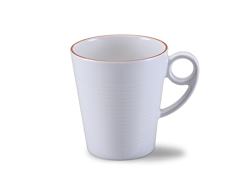 Melamine mug with golden rim